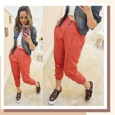 Harem Pants, Khaki Pants, Looks Style, Jogging, Parachute Pants, Coral, Shorts, Fashion, Sweater Hoodie