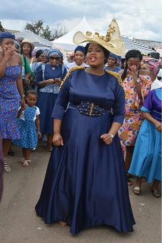 African Print Fashion, Fashion Prints, African Wedding Dress, African Weddings, Shweshwe Dresses, Maxi Dresses, Traditional Wedding Dresses, Vintage Fashion, Vintage Style