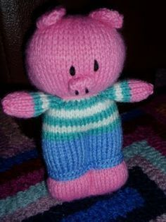 Miss Aine: Post - Piggywig (free pattern) Knitting For Charity, Free Knitting, Baby Knitting, Knitting Toys, Summer Knitting, Animal Knitting Patterns, Stuffed Animal Patterns, Knitted Dolls, Crochet Toys
