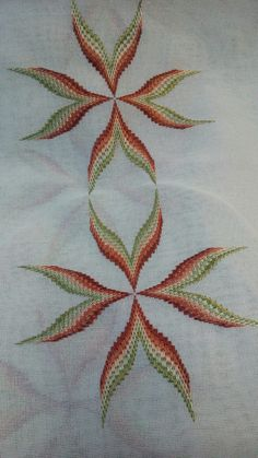 This Pin was discovered by neş Bargello Needlepoint, Broderie Bargello, Hardanger Embroidery, Embroidery Stitches, Embroidery Patterns, Hand Embroidery, Cross Stitch Material, Cross Stitch Patterns, Swedish Weaving