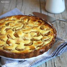 Crostata di prugne gialle ricoperta di crema  http://blog.giallozafferano.it/passionecooking/crostata-prugne-gialle/