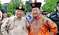 Mongolian Saturday trainer adds a dash of colour to parade ring #DailyMail