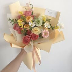 Boquette Flowers, Flower Bouqet, Beautiful Bouquet Of Flowers, Luxury Flowers, Planting Flowers, Beautiful Flowers, Wedding Flowers, Rose Gold Christmas Decorations, Flower Aesthetic