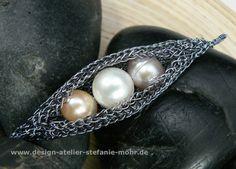 Unikat STRICK-COLLIER mit bunten Steinen und Süßwasser Perlen von ...