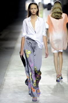 Dries Van Noten Spring 2011 Ready-to-Wear Collection Photos - Vogue