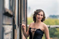 👩 CURLY 👩 KUDRLINY 👩 ••• Přesně takhle vypadají mé vlasy bez jediné úpravy 💇 Foto z podzimního focení 🍁🍂🍃 v  dole Michal. ••• @robertmikusfotografie ••• #portrait #photography #curly #kudrliny #czechgirl #dulmichal #czech #girl #fotomodel #coachmichal #ostrava #insta #follow ♥