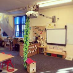eyfs_missjobson Class 1's BEANSTALK Year 2 Classroom, Traditional Tales, Eyfs, Literacy, Castle, Teacher, Day, Teaching Ideas, Handmade