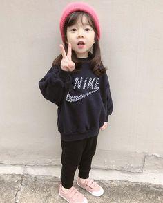 Cute Asian Babies, Korean Babies, Asian Kids, Cute Babies, Baby Kids, Stylish Little Girls, Cute Little Baby, Cute Baby Girl, Cute Chinese Baby