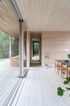 Thanks to a cross laminated timber structure and a raw steel outer shell, the villa designed by Jan Henrik Jansen Arkitekter with Marshall Blecher branches off into the Danish countryside. Villa Design, Design Design, Steel Cladding, Clad Home, Cladding Systems, Casa Patio, Weathering Steel, Timber Structure, Street House