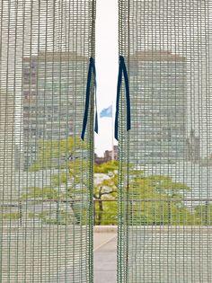 Knots&Grid Curtain (Irma Boom),United Nations North Delegates' Lounge, New York. Hella Jongerius + Rem Koolhaas.: