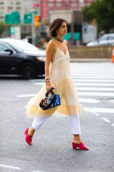 Leandra Medine -- dress over pants. Nyfw Street Style, Street Style Summer, Cool Street Fashion, Love Fashion, Fashion Looks, Fashion Trends, Style Fashion, Leandra Medine, Estilo Street