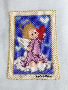 Schema Angelo con cuore Heart Patterns, Plastic Canvas, Beaded Embroidery, Doilies, Nativity, Diy And Crafts, Beading, Carving, Pearls