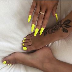 Neon nails - the flagship and colorful trend of summer 2019 # nails . - Neon nails – the flagship and colorful trend of summer 2019 nails yellow hands and feet - Best Acrylic Nails, Summer Acrylic Nails, Acrylic Nails Yellow, Acrylic Summer Nails Coffin, Coffin Nails Designs Summer, Acrylic Toes, Neon Nails, My Nails, Nails On Fleek