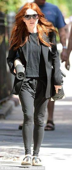 6b383c3c896 Spotted  Julianne Moore wearing her Birkenstock Gizeh sandals. We like your  style Julianne!