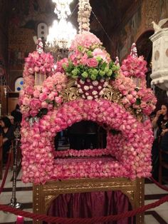 great friday russian orthodox - Google Search Orthodox Easter, Greek Easter, Church Flowers, Russian Orthodox, Orthodox Christianity, Holy Week, Holi, Floral Wreath, Wreaths