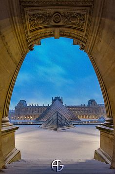Snow @ Louvre / Sunrise by A.G. Photographe, via Flickr