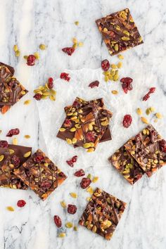 Cranberry Pumpkin Seed Salted Caramel Bark is a great homemade treat you can give as a gift to your family and friends. Or just keep it all to yourself! #candy #chocolate