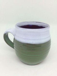 Mug en céramique / fait à la main poterie / vert et blanc