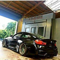 BMW F82 M4 black widebody