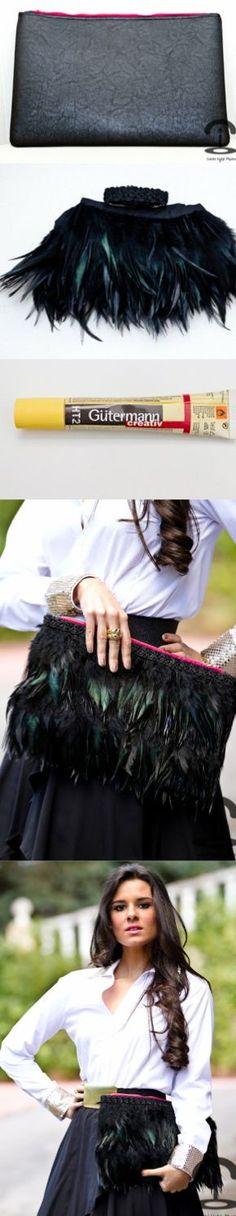 DIY Feather clutch - Actual link is in Spanish but pic tutorial self explanatory Diy Clutch, Diy Purse, Clutch Purse, Diy Accessoires, Diy Vetement, Do It Yourself Fashion, Diy Handbag, Fashion Project, Mode Vintage