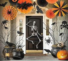 The Coolest Halloween Porches – 10 Spooky Ideas To Inspire