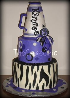 Vanilla cake filled with caramel cream and chocolate cake with oreo filling. Cheer Birthday Party, Cheer Party, Birthday Cake Girls, Birthday Cakes, Birthday Ideas, 11th Birthday, Birthday Stuff, Cheerleading Cake, Cheer Cakes