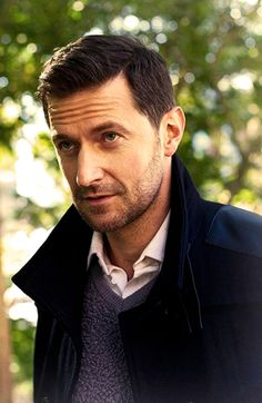 Richard Armitage. Loved him in North and South and LOVE him in The Hobbit :D