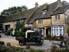 Bourton-on-the-Water, Cotswalds, England