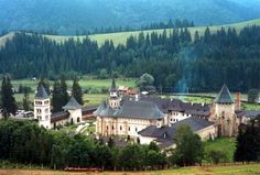Manastirea - Tourism in Romania - Wikipedia Cool Places To Visit, Places To Go, Romania Travel, Jamaica Travel, Visit Jamaica, Carpathian Mountains, Seaside Resort, Mountain Resort, Amazing Architecture