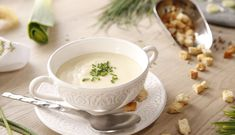 ⭐ 【Vichyssoise 】⭐ – Receta Paso a Paso Menu Planners, Tea Cups, Food And Drink, Dinner, Cooking, Tableware, Kitchen, Yummy Yummy, Soups
