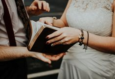 hands woman holding book The Scripture Hochzeitsmusik Wedding Photography Poses, Photography Women, Photography Ideas, Covenant Eyes, Top Honeymoon Destinations, Gymnastics Outfits, Girls White Dress, Pink And Purple Flowers, Classy Women