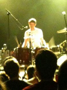 A blurry Logan Kroeber (of the Dodo's)