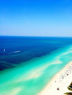 How about a weekend getaway to Flordia for an unforgettable time at Miami Beach? This beautiful coastal scenery is waiting for you. #coronaextra #corona #theplacetobe