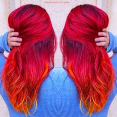 Love brightly colored hair. Wish I could pull it off!