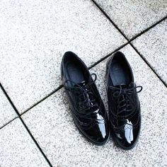 Patent leather shoes - black - budapester
