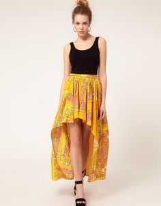 Buy River Island Scarf Print Dipped Hem Skirt at ASOS. Get the latest trends with ASOS now. River Island Skirts, Hi Low Skirts, Stylish Eve, Printed Skirts, Pretty Dresses, Passion For Fashion, Style Inspiration, High Low, Dress Fashion