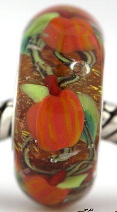 PUMPKIN PATCH  Fall 2014 fits Pandora and Trollbeads bracelets artisan murano glass charm bead. Made by glass artist Mandy Ramsdell.