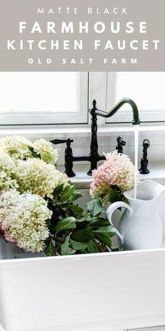 Black Farmhouse Kitchen Faucet #hydrangeas #kitchenfaucet #kingstonbrass #blackkitchen #blackfaucet #matteblackfaucet #farmhousekitchen #farmhousestyle #farmhousesink