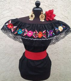 Mexican Embroidered Blouse On/Off Shoulder w/small Sash. Blusa Bordada Mexicana #Handmade #EmbroideredBlouse