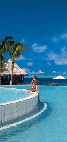 Emmy DE * Hilton Bora Bora Nui