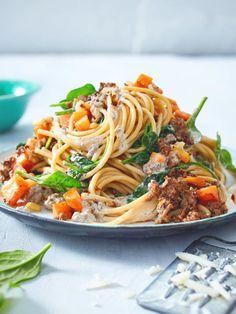 Mit einer leichten Joghurtsoße, Spinat und magerem Hackfleisch ist Zulangen hier erlaubt. #pasta