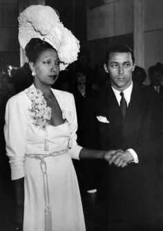 The toast of Paris, Josephine Baker wed French bandleader Jo Bouillon. Her neat plaited hair balances a dramatic ivory headpiece held in place with pins. Josephine Baker, Vintage Black Glamour, Vintage Style, Vintage Hats, Vintage Bridal, Vintage Fashion, Black Celebrities, Celebs, Black History Facts