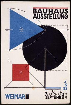 Oeuvre d'art totale, nouvelles matières enseignées telles que la sémantique, la composition, la couleur... Bauhaus Weimar, exhibition postcard, 1923                                                                                                                                                                                 Plus