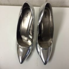 Metallic Silver Heels Never worn in excellent condition. Mossimo Supply Co Shoes Heels