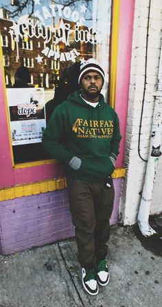 ScHoolboy Q . Yes, I'm aware I am Caucasian and female, but I can still enjoy the nasty beats and clever rhymes. Mode Hip Hop, Hip Hop And R&b, Hip Hop Rap, Hip Hop Artists, Music Artists, Black Hippy, Dresses Near Me, Schoolboy Q, Hip Hop Instrumental