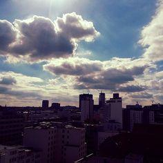 Der Himmel über Berlin ist heute wieder toll anzusehen - a cloudy sky above Berlin!  #himmel #himmelüberberlin #sky #skyaboveberlin #bewölkt #cloudy #cloudyday #cloudporn #berlin #visit_berlin #citywest #goldentulipberlin