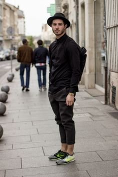 Outfit with Alexander wang Neoprene Pants and Nike Flyknit Racer - Nicolas Lauer Fashion Moda, Urban Fashion, Street Fashion, Look Man, Look Girl, Nike Free, Outfits Casual, Grunge Outfits, Nike Shoes Outfits