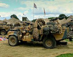 Land Rover Defender 110 Tdi soft top militar gulf war.  Wolf preparation.  Lobezno love this Landys.