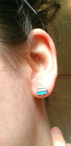 Kombi camper van earrings handmade tiny VW van door HandcraftLab                                                                                                                                                      Mais