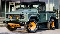 Land Rover Defender - Khan 2.2 | Cool Material